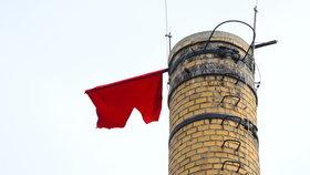 Nad Prahou opět zavlály rudé trenýrky. Zemanovi sokové se k nim nehlásí