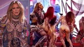 Striptýz během show Jennifer Lopez: Odhalený zadeček!