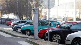 Až čtvrt milionu aut v ohrožení. Pokud je majitelé nenahlásí, papírově zaniknou