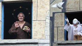 Apoštolové mezi námi: Živý orloj na Frýdlantsku láká stovky návštěvníků