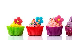 Ozdobené cupcaky: Návod, jak je jednoduše a levně zdobit cukrářskou hmotou
