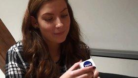 Kosmetika před kamerou: Jak dopadly krém, oční stíny a rtěnka v našem testování?
