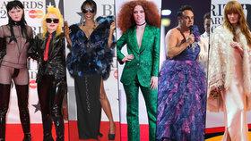 Ceny Brit Awards jako na plese příšer: Šokující sado-maso modely i plesové šaty moderátora