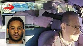 Nejhloupější lupič světa: Taxikáře přepadl, když vůz zastavil policista