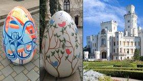Unikátní velikonoční stezka: Hlubokou nad Vltavou lemují obří vejce!