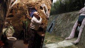 Kostaričan bydlí jako Hobit: Vykopal si byt 20 metrů pod zemí! Trvalo mu to 12 let...