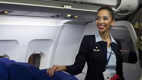 Novinka rozlítila letušky. Odmítají při přistání v Íránu nosit šátky