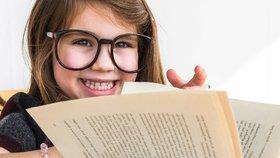 Dětské knížky, které stojí za pozornost. Baví nás Počítání, Mraveniště i Naschválníčci