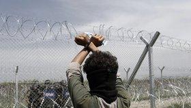 Policejní posily míří do uprchlického Idomeni. Řekové chtějí evakuovat běžence