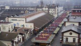 Odpadky, které ještě půjdou využít: Praha pro ně v holešovické tržnici zřídí Re-Use centrum