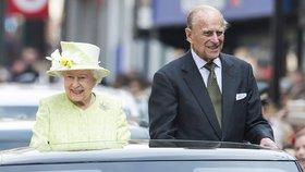 Manžel královny Alžběty princ Philip (96) byl hospitalizován: Čeká ho operace!