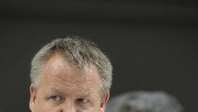 """Exministr Němeček stále mluví do politiky. S Ludvíkem """"zamázl"""" eutanazii"""
