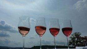 Hitem letošního léta jsou růžová vína