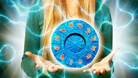 Velký horoskop na duben: Střelce čeká erotika, Ryby zradí důvěra