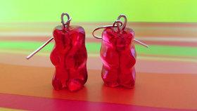 Originální šperk! Vyrobte si náušnice z gumových medvídků!