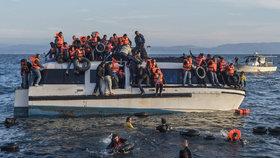 Řecko opět úpí nad množstvím migrantů: Proud zesílil, za den jich přišlo 460