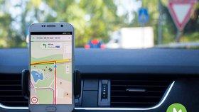 Mobilní Mapy.cz už navigují pro všechny, přibudou i dopravní informace