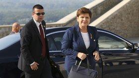 Polská premiérka měla nehodu u Osvětimi. Szydlová musela do nemocnice