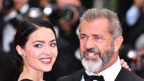 Mel Gibson je podeváté otcem: O 35 let mladší manželka herci porodila syna