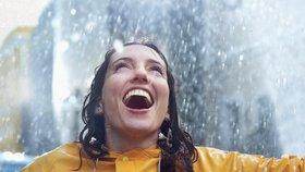 """Příliš šťastné lidi lze snadno """"podfouknout"""", zjistila série testů"""