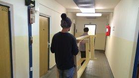 Laciná ubytovna v Motole skončila před rokem: Za obnovení Klíček bojuje dál