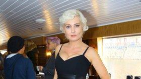 Bára Nesvadbová: Zasnoubila jsem se, protože mi bylo trapné říct ne