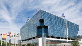 Dva muži se v Hiltonu nadýchali chemické látky! Skončili v péči záchranářů