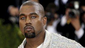 Manžel Kim Kardashian se zhroutil na koncertě: Kanye West skončil v poutech!