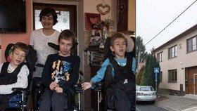 Máma je hrdinka: Stará se o trojčata (14), která se sama nenají! Kluci ani nemluví