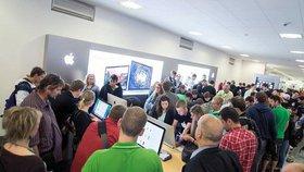 Stávka pošty i zaneprázdněné e-shopy: Víme, do kdy objednat dárky
