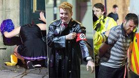 Povánoční šílenství v Anglii: Opilci v kostýmech vzali ulice útokem!