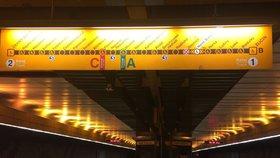 """V Jinonicích z metra nevystoupíte víc než půl roku. Stanici na """"Béčku"""" kvůli vlhku uzavřeli"""