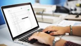 E-mailem či MMSkou: O nepořádku a nešvarech v Praze 10 můžete informovat přímo radnici