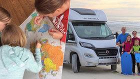 Vzali děti ze školy a už přes rok s nimi cestují po Evropě: Takhle se víc naučí, tvrdí rodiče