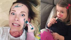 Kosmetické hrátky Kobzanové s dcerou Ellou: Tatínek bude koukat jak puk, napsala modelka