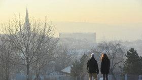 Pražany opět dusí smog! Situace se má zlepšit v druhé polovině týdne