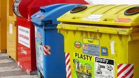 Z Tachovského náměstí zmizely kontejnery na odpad. Kvůli opravě Koněvovy tam nemohou popeláři