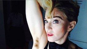 Chlupatý únor: Celebrity se odmítají holit? Je to nechutné nebo přirozené?