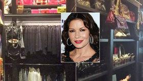 Catherine Zeta-Jones ukázala obří šatník a botník. Ta nemůže říct: Nemám co na sebe!