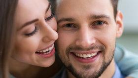 11 důkazů, podle kterých poznáte, že vás miluje, aniž by řekl jediné slovo
