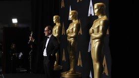 Předávání Oscarů a politické narážky: Tématem byl Trump i migrace