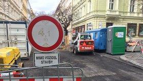 Řidiči, pozor! Komplikace ve Vysočanech, začíná rekonstrukce Poděbradské. Zavřená je i Malešická v Praze 10