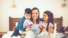 Den matek: v Etiopii třídenní oslava, v Nepálu pouť k Mata Tirtha, ale stálicemi zůstávají květiny a pralinky