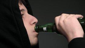 Dvakrát vytrestaný barman: Nedostal zaplaceno za drinky, peníze navíc musel vytáhnout sám