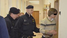 Ondřej podezřelý z vraždy macechy: Smrtí prý vyhrožoval i jejímu synovi (11)