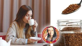 Velký test instantních káv: Jedna lžička obsahuje různé množství kofeinu