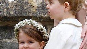 Jak to malé princezně Charlotte a jejímu bratrovi slušelo na svatbě tety Pippy?
