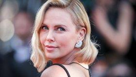 Charlize Theronová promluvila o vztahu s Bradem Pittem! Tak takhle to je!