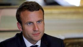 Macron začal jednat, jeho popularita padá. Ztratil už přízeň 10 % obyvatel