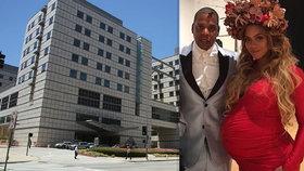 Zpěvačka Beyoncé porodila dvojčata! S manželem se chlubila přátelům